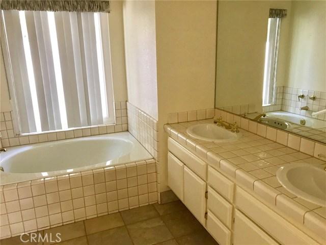 29920 Longvale Court Temecula, CA 92592 - MLS #: SW17139132
