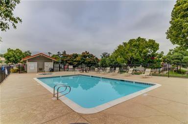 9866 Highland Unit D Avenue, Rancho Cucamonga CA: http://media.crmls.org/medias/7aed60dd-a113-458b-a64f-ddf7aa4e48b0.jpg