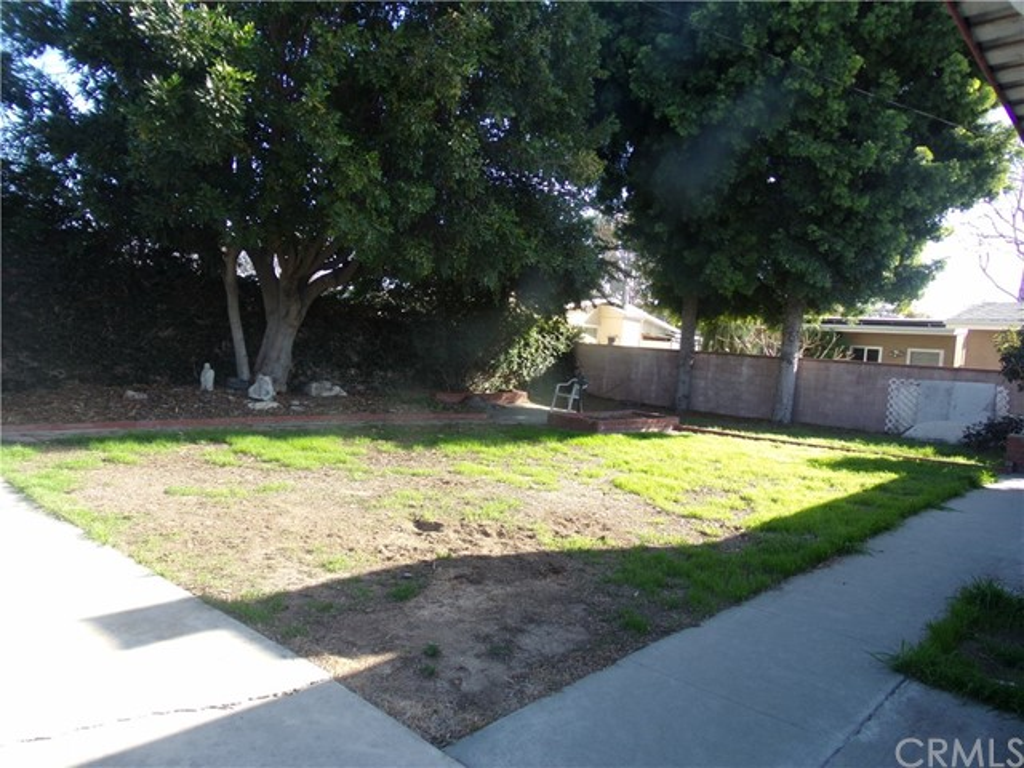 1514 N Studebaker Rd, Long Beach, CA 90815 Photo 21