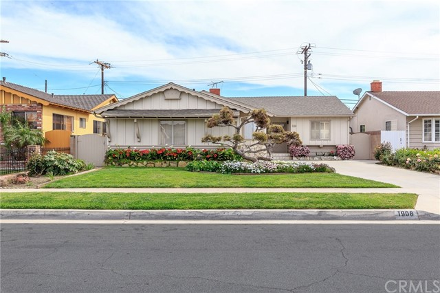 1908 233rd Street, Torrance, California 90501, 3 Bedrooms Bedrooms, ,2 BathroomsBathrooms,Single family residence,For Sale,233rd,SB19065163