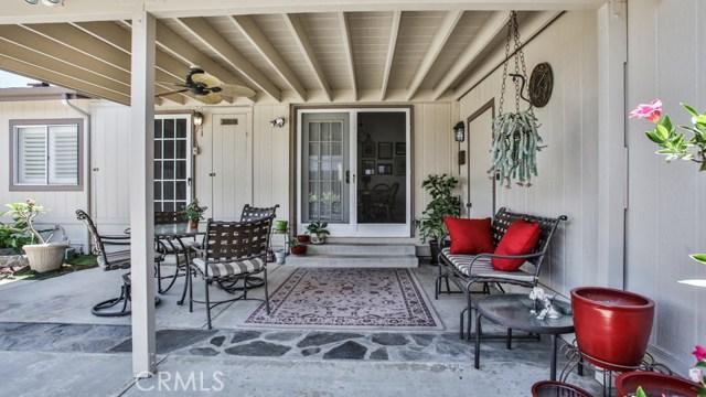 633 Via Santa Cruz, Vista CA: http://media.crmls.org/medias/7b102485-c239-459e-8684-dc558064605b.jpg