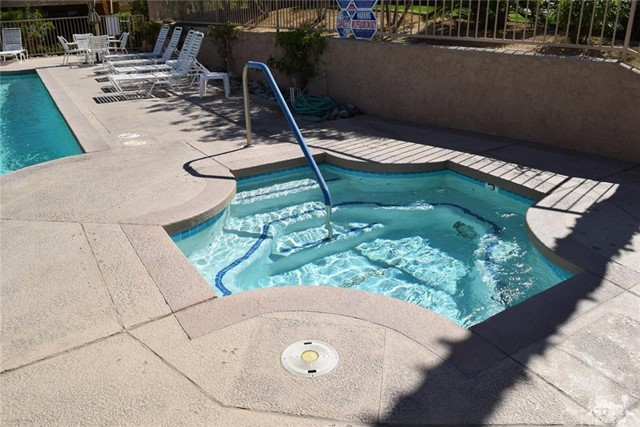 47670 Desert Sage Court, Palm Desert CA: http://media.crmls.org/medias/7b127187-ad97-4c66-8ca2-8350800e53da.jpg