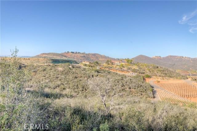 764 Rainbow Hills Road, Fallbrook CA: http://media.crmls.org/medias/7b1b4812-7d6c-4a41-8a47-0889e8c1f038.jpg