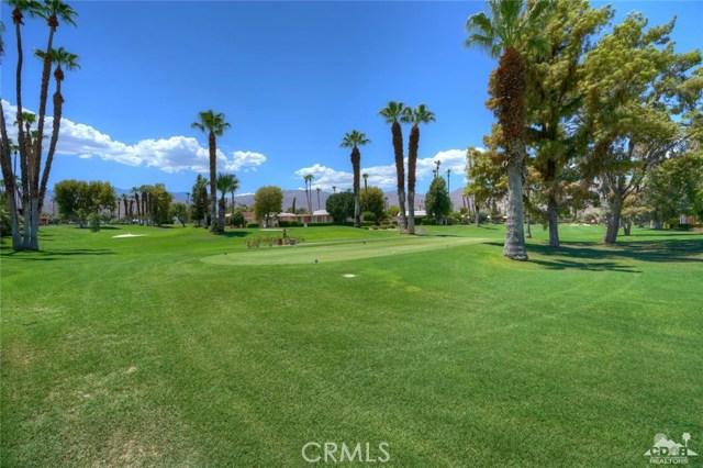47043 Arcadia Lane, Palm Desert CA: http://media.crmls.org/medias/7b21dd8d-41f1-4305-ae06-facfad7539ee.jpg