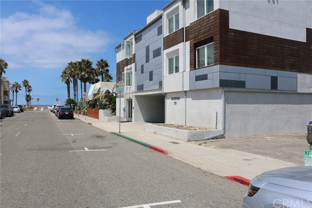 Maison unifamiliale pour l Vente à 64 15th Court 64 15th Court Hermosa Beach, Californie,90254 États-Unis