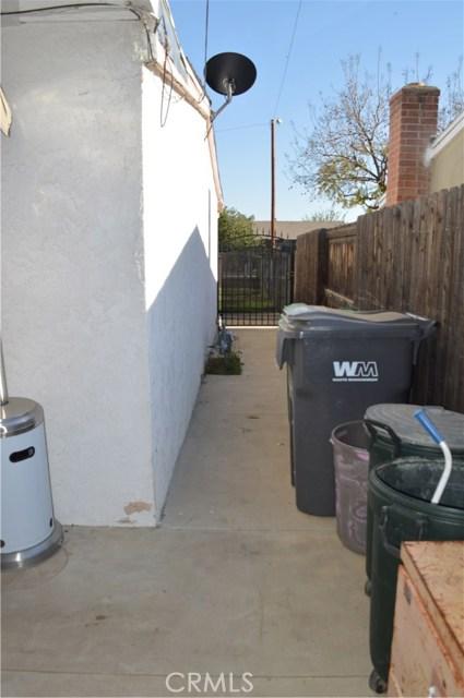 25474 Gentian Avenue, Moreno Valley CA: http://media.crmls.org/medias/7b2d24b5-3a09-41ac-b882-364ab9a3f034.jpg