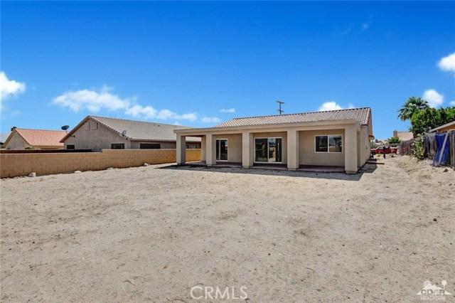 13062 Caliente Drive, Desert Hot Springs CA: http://media.crmls.org/medias/7b34b802-5836-4ffa-a496-ec2237fc9b17.jpg