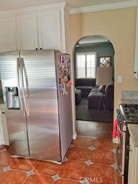 720 Winchester Avenue, Alhambra CA: http://media.crmls.org/medias/7b35ff0a-c613-454a-aacf-d6387b40b383.jpg