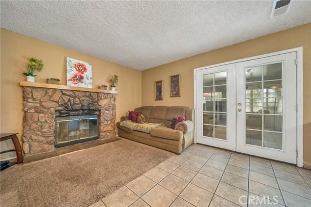 725 S Lassen Avenue, San Bernardino CA: http://media.crmls.org/medias/7b3cb09e-5a1d-4464-be37-df7c704ded60.jpg