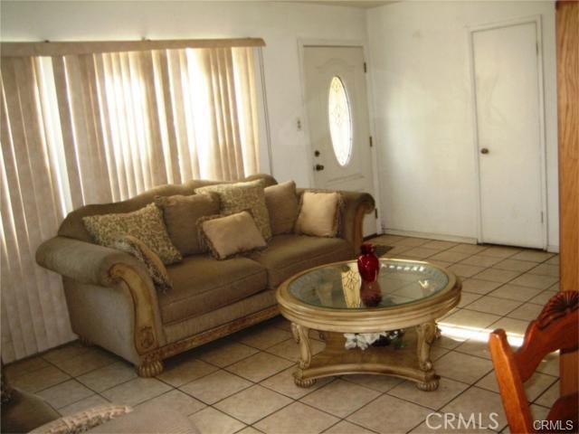 13687 Beckner Street, La Puente CA: http://media.crmls.org/medias/7b401f03-e628-4d38-98fd-4aeec0a420e7.jpg
