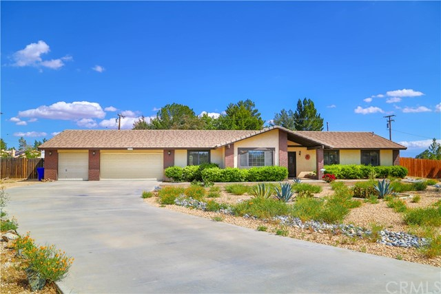 18585 Seneca Court,Apple Valley,CA 92307, USA