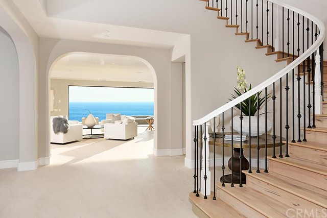Additional photo for property listing at 19 White Water Lane  Dana Point, California 92629 United States