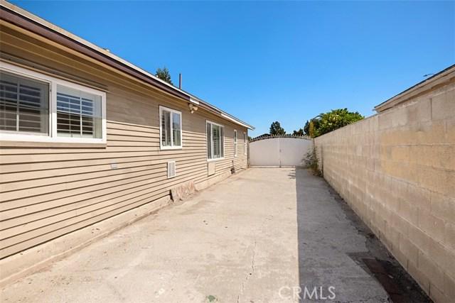 125 S Harding Avenue, Anaheim CA: http://media.crmls.org/medias/7b752694-889a-42c7-b03b-39a9a0568452.jpg