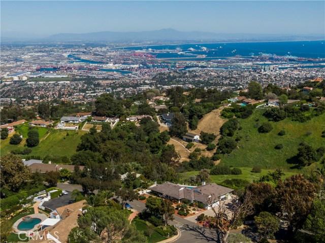 1 Maverick Lane, Rolling Hills CA: http://media.crmls.org/medias/7b959a7e-648e-4ae3-8e4c-8ed756677126.jpg