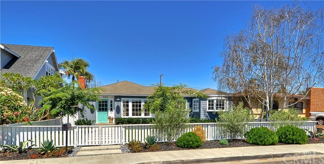 Single Family Home for Sale at 362 Magnolia Street Costa Mesa, California 92627 United States