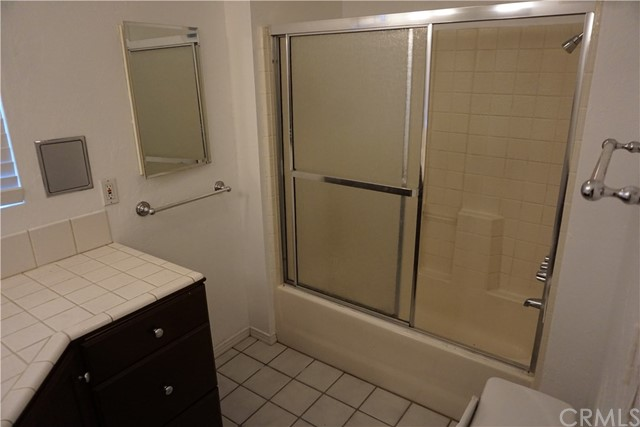 422 N 8th Avenue, Upland CA: http://media.crmls.org/medias/7b9847e5-18ee-42e2-8a04-dd88b272cb26.jpg