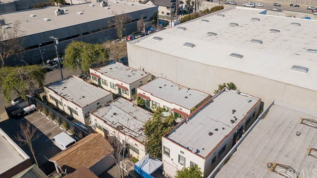311 W 33rd St, Los Angeles, CA 90007 Photo 3