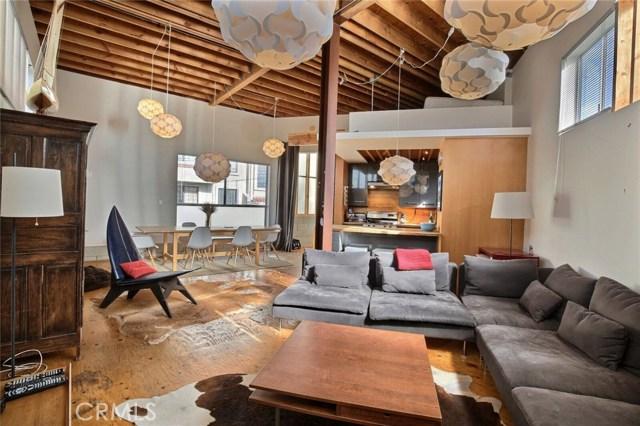 12818 Zanja Street, Los Angeles CA: http://media.crmls.org/medias/7bb00126-c880-4514-85d5-1b3b6513418a.jpg