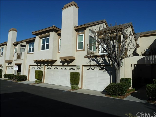 Condominium for Sale at 946 South Country Glen St 946 Country Glen Anaheim Hills, California 92808 United States