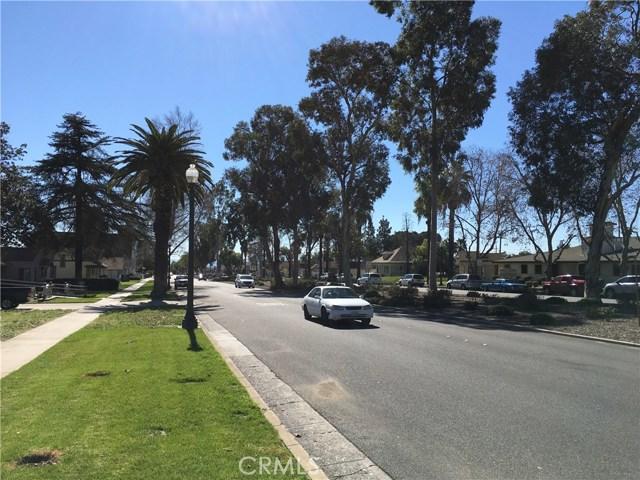 239 N Riverside Avenue, Rialto CA: http://media.crmls.org/medias/7bc1678a-7115-4a9d-9fbd-4bcf27220dc3.jpg
