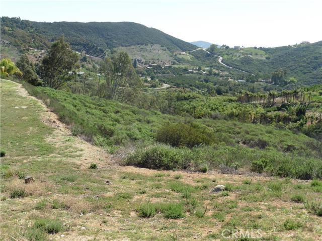 3911 Aspen Road, Fallbrook CA: http://media.crmls.org/medias/7bc55a4e-8c97-433a-8e14-78786e50efa0.jpg