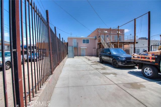 7817 S Western Avenue, Los Angeles CA: http://media.crmls.org/medias/7bc756b5-cecc-4721-9be0-f6257b5be9f7.jpg