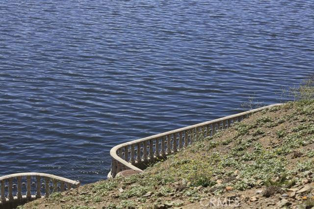 303 BIG RANGE, Canyon Lake CA: http://media.crmls.org/medias/7bc92b23-8a69-47fa-ae7d-6d61ccfa012b.jpg