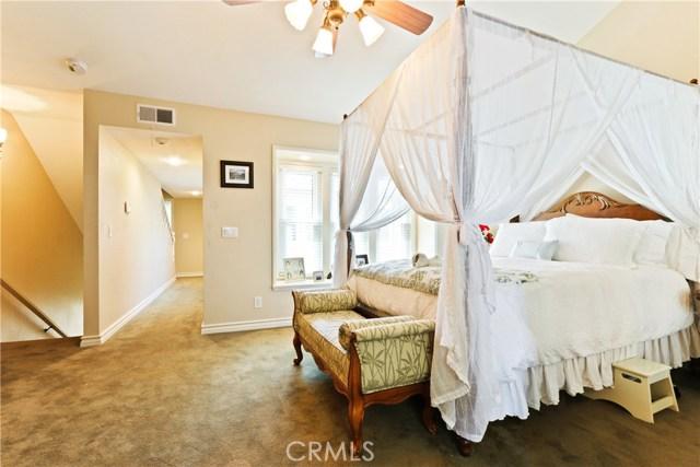 315 21st Street, Huntington Beach CA: http://media.crmls.org/medias/7bcae101-4269-4d05-b33a-abc110b6e511.jpg
