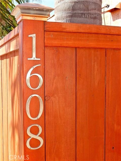1608 Ohio Avenue, Long Beach CA: http://media.crmls.org/medias/7bcbce99-d23a-48ed-9a6c-5f387314576f.jpg