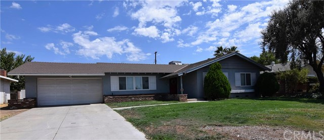 1199 5th Street Calimesa, CA 92320 is listed for sale as MLS Listing CV16193495
