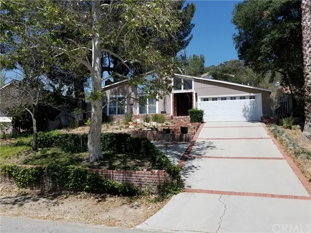23221 8th Street, Newhall CA 91321