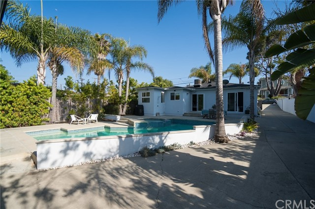 1747 2nd Street Manhattan Beach, CA 90266 - MLS #: SB18120149