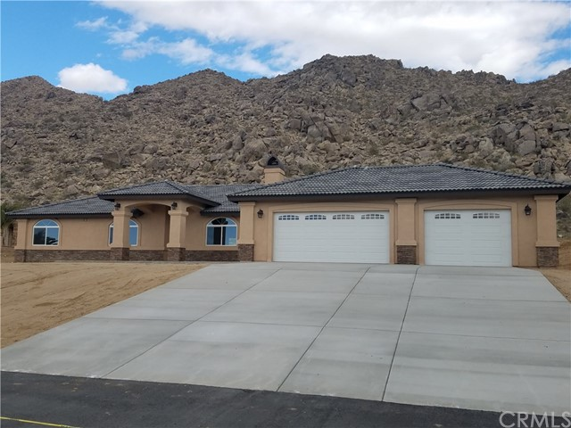 15831 Rimrock Road,Apple Valley,CA 92307, USA