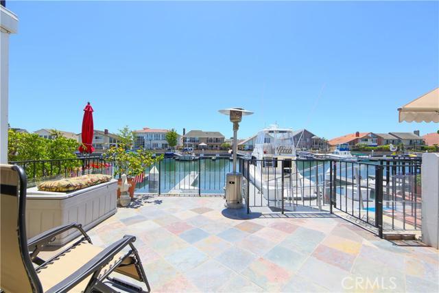 Single Family Home for Sale at 3518 Windspun St Huntington Beach, California 92649 United States