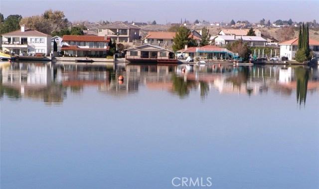 13745 Spring Valley, Victorville CA: http://media.crmls.org/medias/7c0fc3f8-33bb-46af-8568-c790e05f9e10.jpg