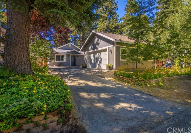 31187 All View Drive, Running Springs CA: http://media.crmls.org/medias/7c10506f-7c6b-44c1-9db0-e1f5e409d820.jpg