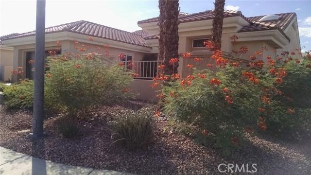 78225 Silver Sage Drive, Palm Desert CA: http://media.crmls.org/medias/7c10df97-cd13-4811-8827-fa1b45a591cc.jpg