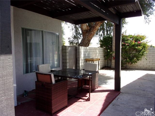 68885 los Gatos Road, Cathedral City CA: http://media.crmls.org/medias/7c18534c-b94e-4170-805c-219180c30c1e.jpg