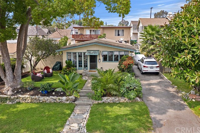 332 Poplar Street, Laguna Beach CA: http://media.crmls.org/medias/7c2330fe-eb8d-41c3-83f2-6a22cac3ccb3.jpg