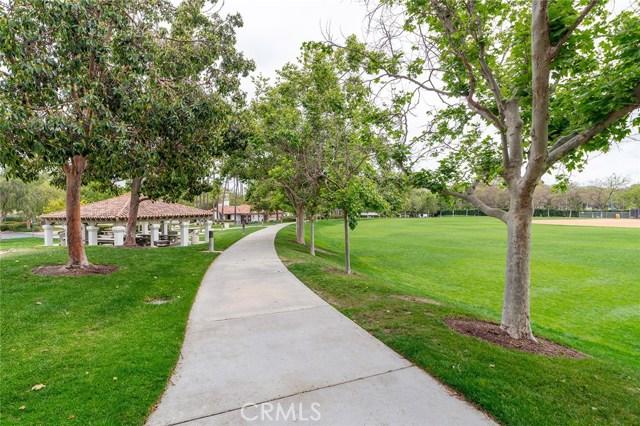 22 Calle Verano, Rancho Santa Margarita CA: http://media.crmls.org/medias/7c256196-57ae-4f89-805a-6671697ed13a.jpg
