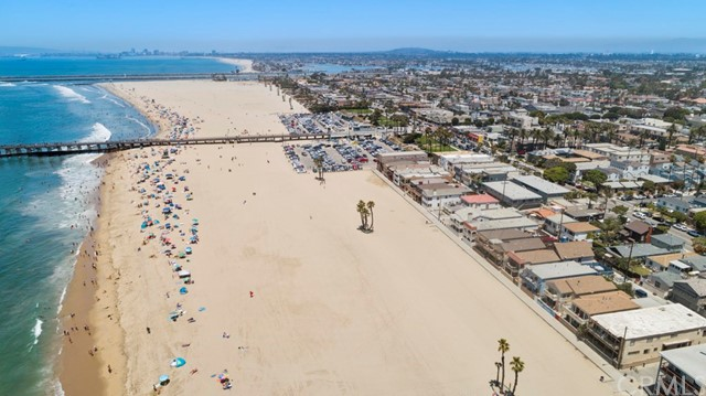 1111 Seal Way, Seal Beach CA: http://media.crmls.org/medias/7c25c239-bfde-4ab6-aa9a-116ec47002a2.jpg