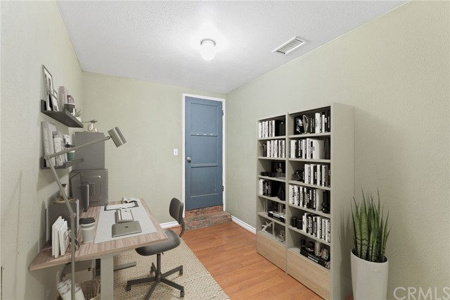 324 W Kendall Street, Corona CA: http://media.crmls.org/medias/7c294642-05f8-4392-8069-5e535598ea21.jpg