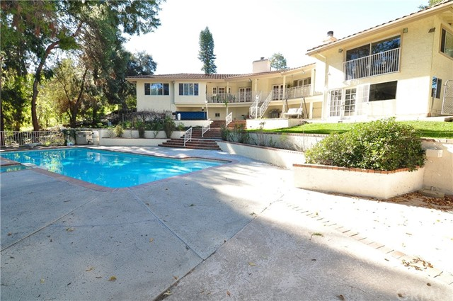 2484 Cameron Avenue, Covina, CA 91724