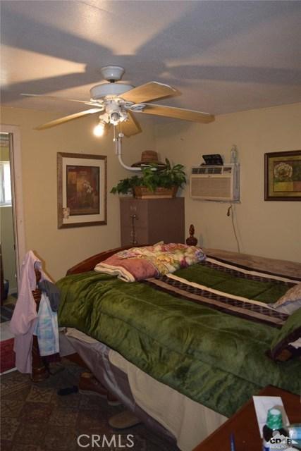 59900 Fillmore Street, Thermal CA: http://media.crmls.org/medias/7c35f397-8279-45a2-b905-c2011f908389.jpg