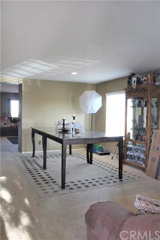 16045 White Mountain Place, Victorville CA: http://media.crmls.org/medias/7c3aff7f-f726-4a27-a96c-f7ca472a6ec2.jpg