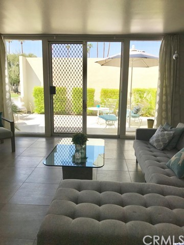 1855 Sandcliff Road, Palm Springs CA: http://media.crmls.org/medias/7c487c88-8f97-486f-a60b-b8d4b084a72a.jpg