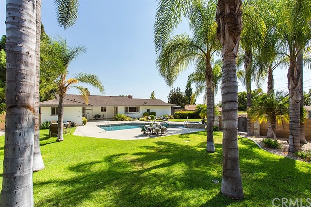 Single Family Home for Sale at 2515 Villa Vista Way E Orange, California 92867 United States