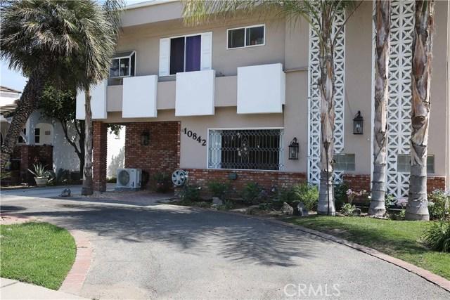 10842 Huston Street, North Hollywood CA: http://media.crmls.org/medias/7c51df01-d485-461e-83ad-412ddab2270a.jpg