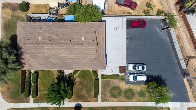 135 Cook Street, Redlands CA: http://media.crmls.org/medias/7c559f5c-2752-4b67-bf30-c7938baaf6a0.jpg