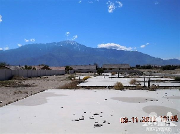 0 Bald Eagle Lane, Desert Hot Springs CA: http://media.crmls.org/medias/7c61547b-79de-462b-a486-742d784d9713.jpg